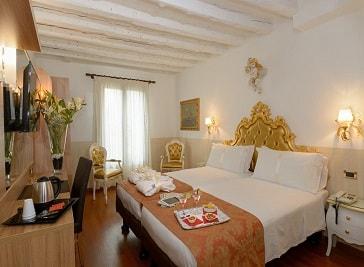 Hotel Ala in Venice